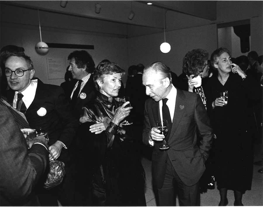 Harriet Spencer at the Walker in 1985, with Director Emeritus Martin Friedman on her left and art dealer Leo Castelli, Honorary Trustee Judy Dayton, and Mickey Friedman on her right.