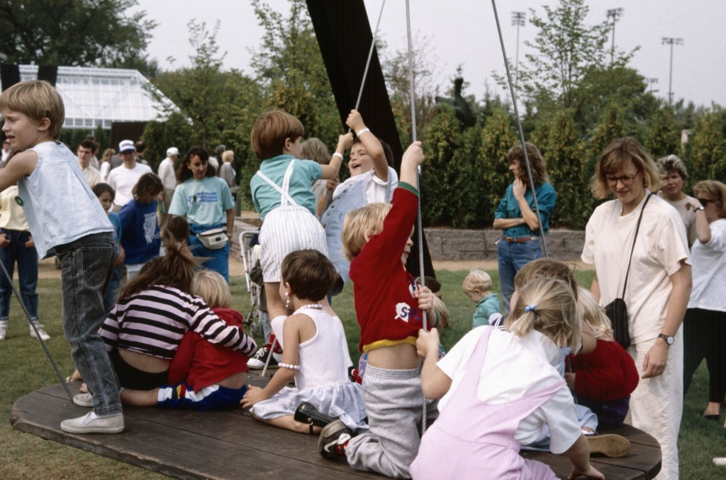 Crowds with Mark di Suervo's Arikidea, Minneapolis Sculpture Garden Opening, 10 September 1988