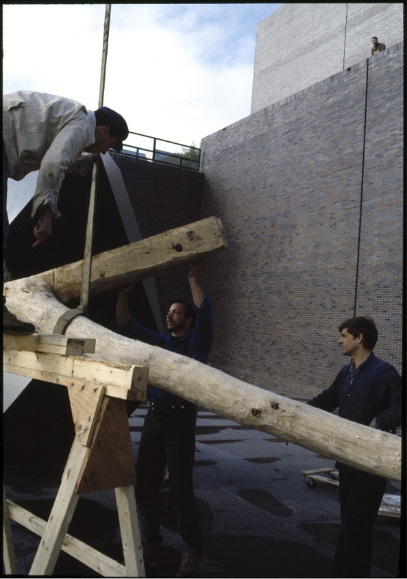 Installing David Nash's Standing Frame (from left to right: Mojsilov, Fuller Cowles, Nash). Courtesy Walker Art Center Archives