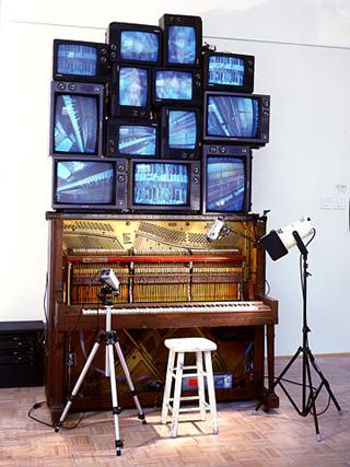 TV_Piano.jpg