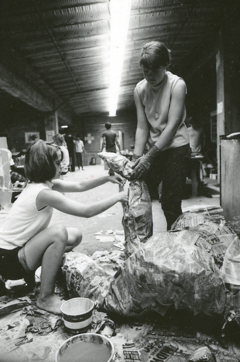 SStudents build a chicken wire and papier mâché sculpture, 1968