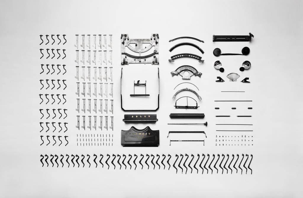 Typewriter(AdlerFavorit)apart