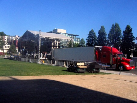 Unloading The Decemberists 53 foot semi
