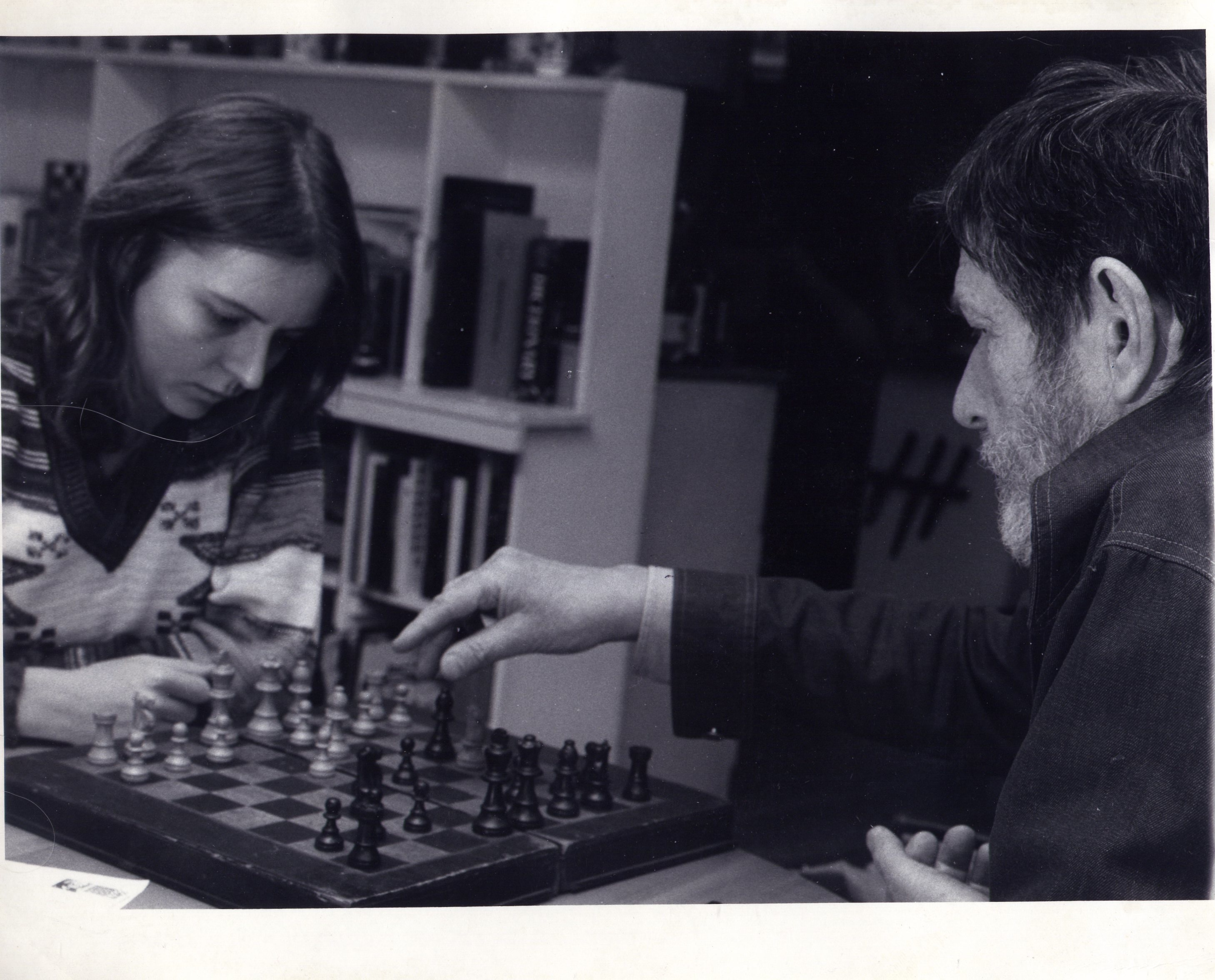 Joan La Barbara and John Cage playing chess before a rehearsal at his loft photo: © 1976 Michael McKenzie