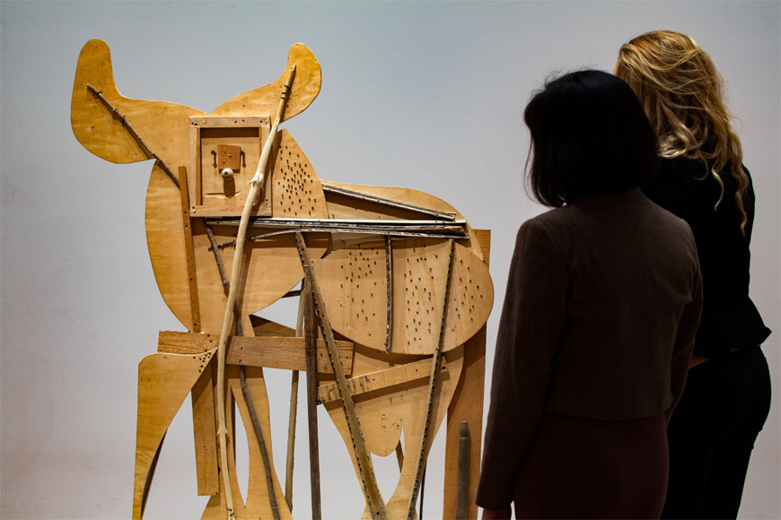 moma-picasso-sculpture-install-03