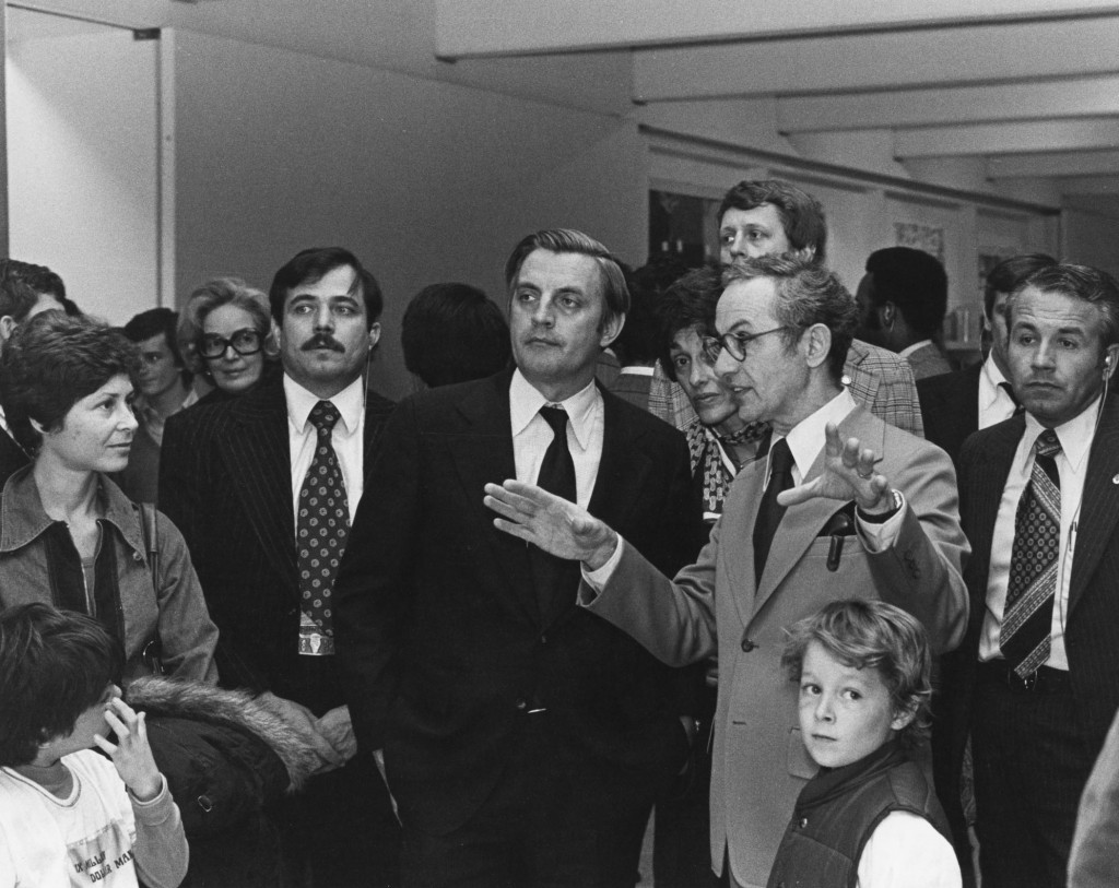 Martin Friedman gives a tour to Vice President Walter Mondale, 1976