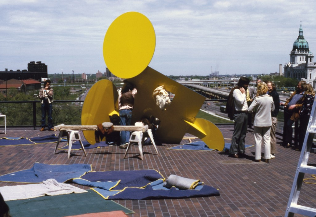 Installation of the Geometric Mouse – Scale A, Yellow and Blue at the Walker Art Center, 1974. PHOTO: Roxanne Everett. © Roxanne Everett/Lippincott's LLC
