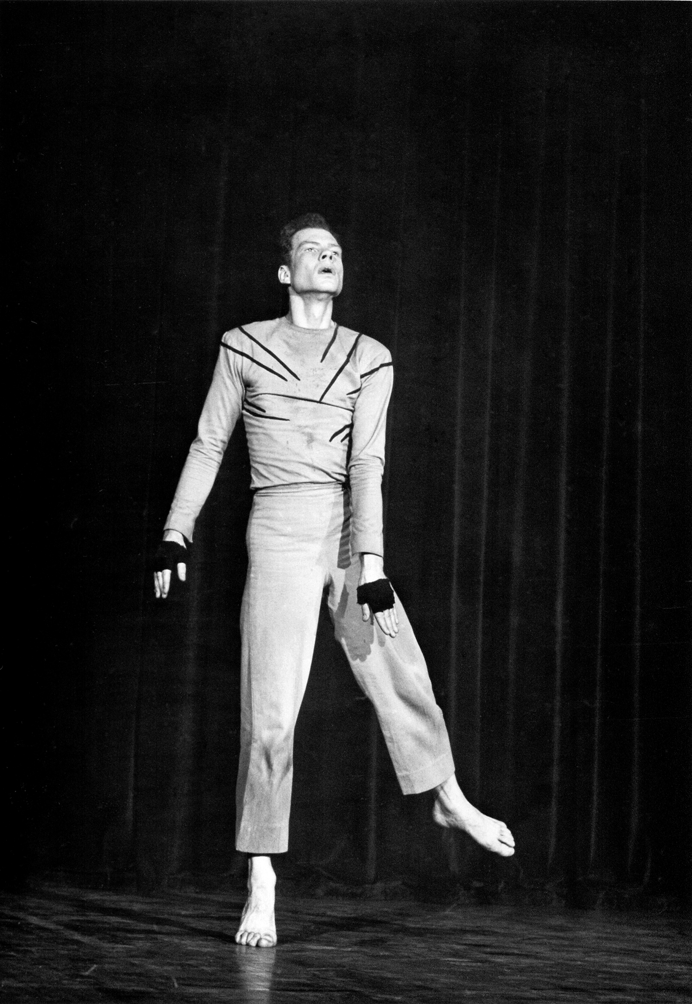 Merce Cunningham in Root of an Unfocus New York City, 1944 Photo: Fred Fleh © Estate of Fred Fleh