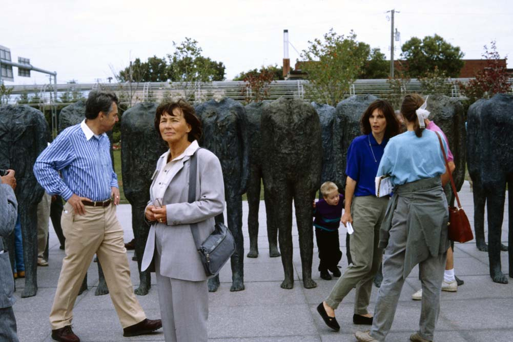 Unveiling of Magdalena Abakanowicz's commission, Minneapolis Sculpture Garden, 9/12/1992